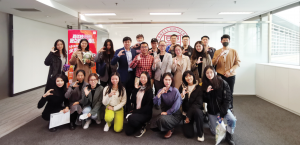 Photo of Chinese students participating in Cornell Universitys Study Away program